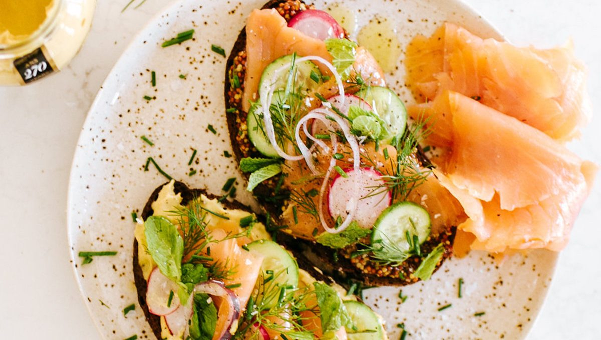 These smoked salmon and mustard toasts are the perfect holiday party appetizer!