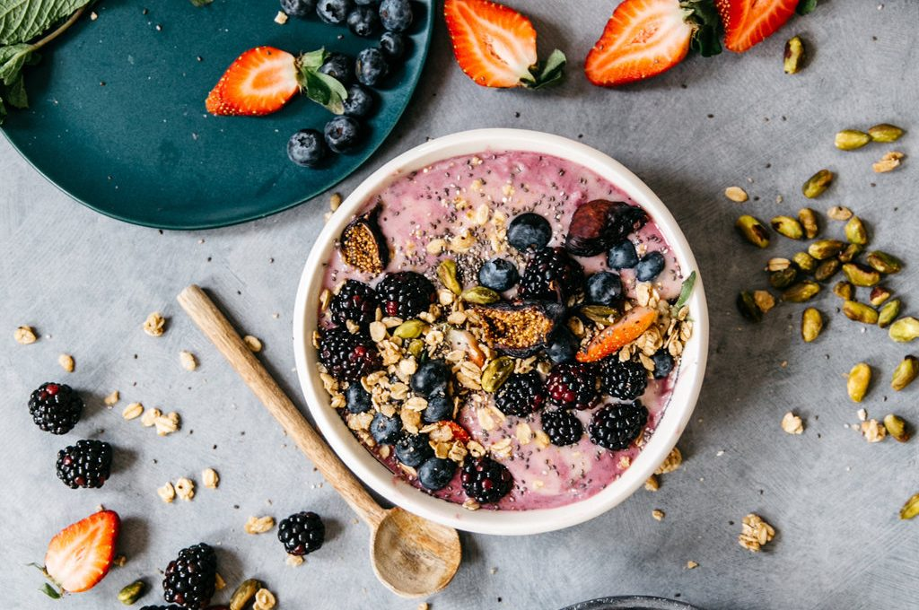 This Berry Yogurt & Smoothie Swirl Bowl combines the two best breakfasts into one!