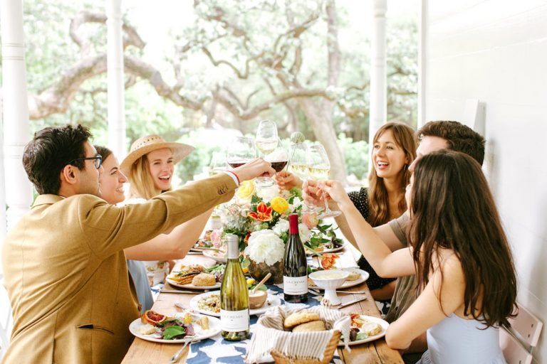 A Southern Style Dinner Party To Celebrate Spring