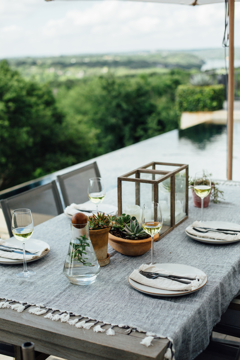 simple dinner party table setting