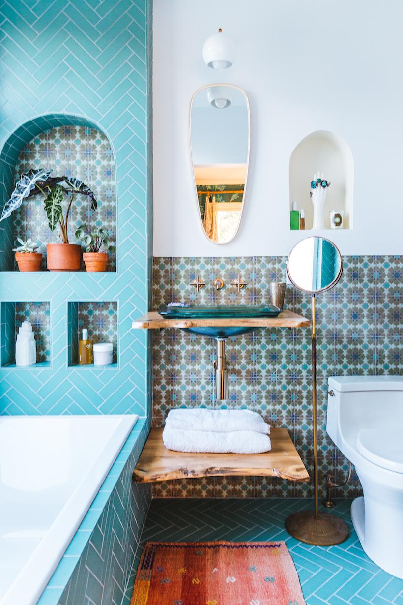 Justina Blakeney's beautiful tiled bathroom