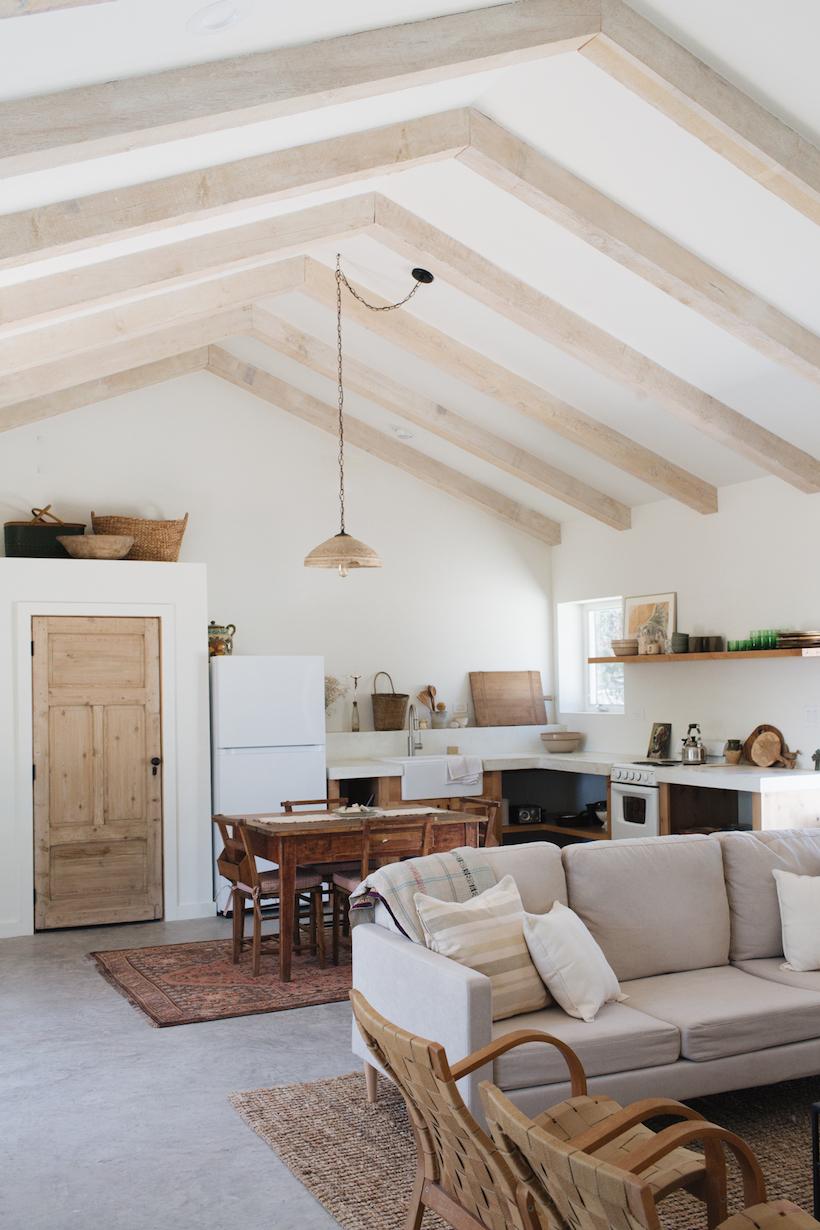 neutral kitchen decor