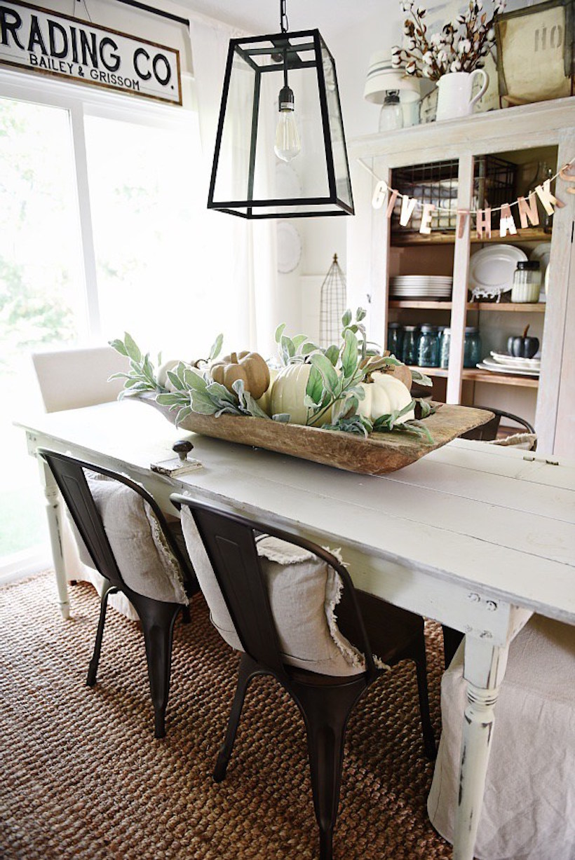 neutral fall table scape