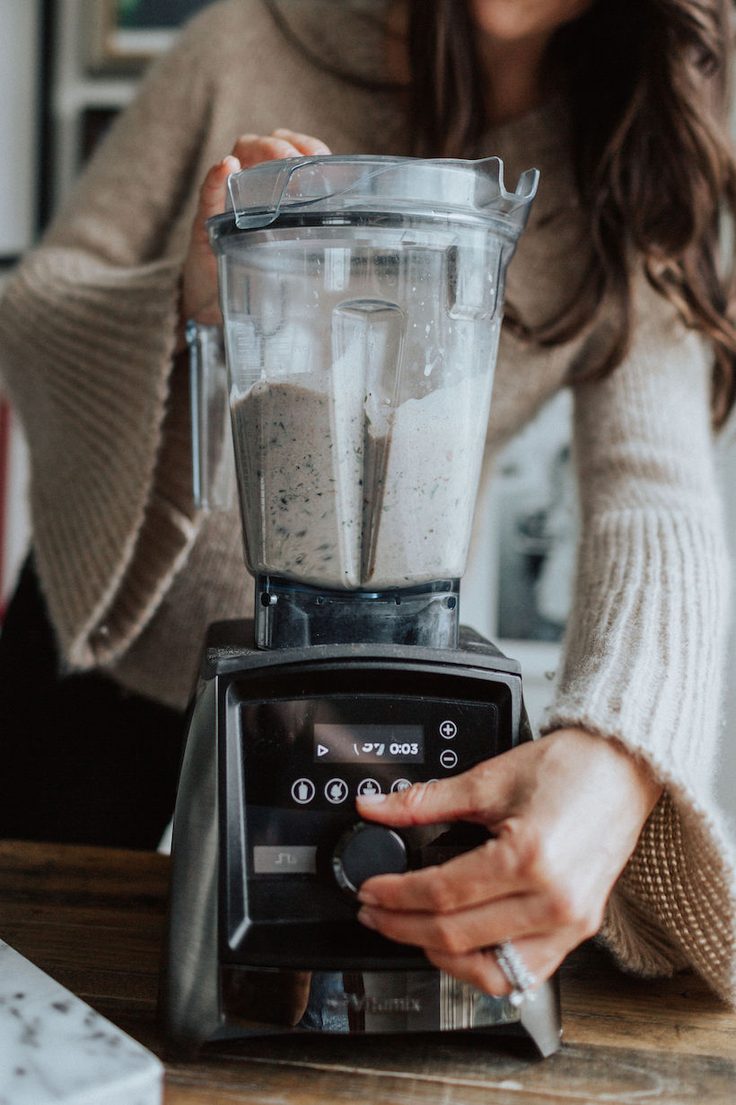 kelly leveque blending up smoothie