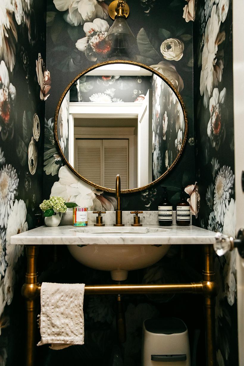 pretty guest bathroom wallpaper
