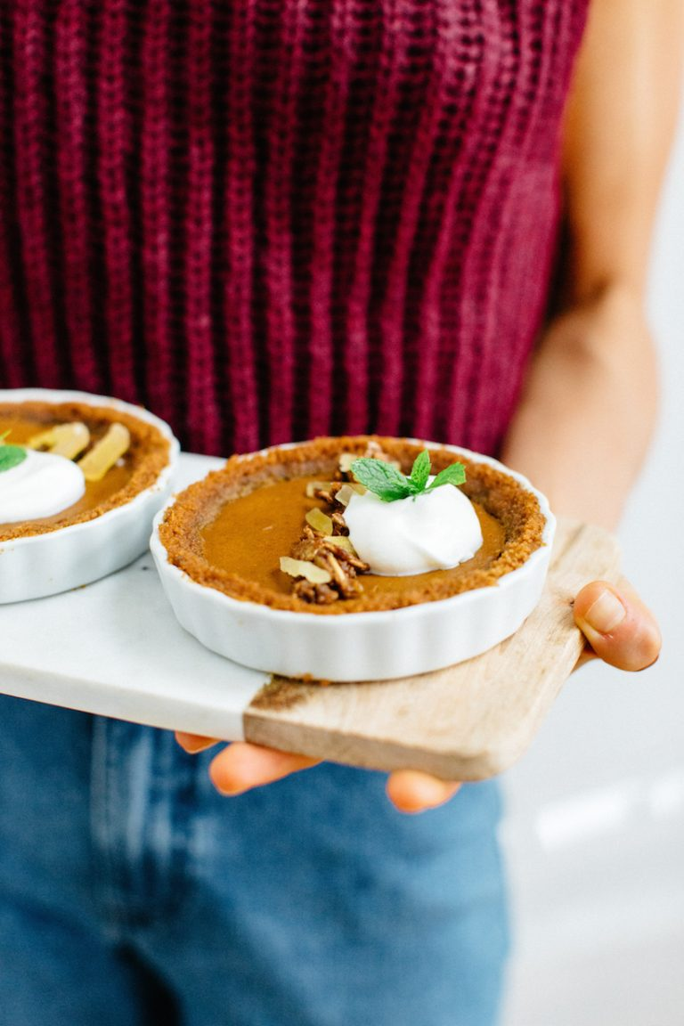 Mini Speculoos Pumpkin Tarts with Candied Pepitas