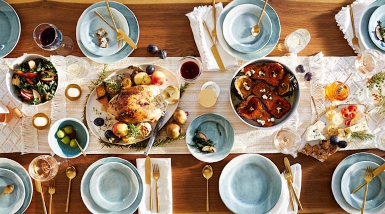 blue tablescape for thanksgiving