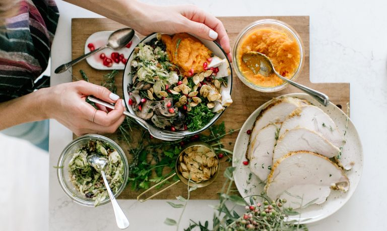 A Thanksgiving Leftovers Bowl to Start Your Post-Turkey Detox