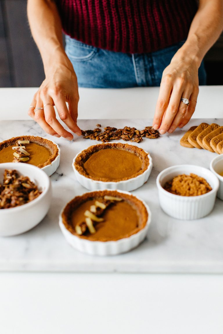 pumpkin speculoos tart for thanksgiving