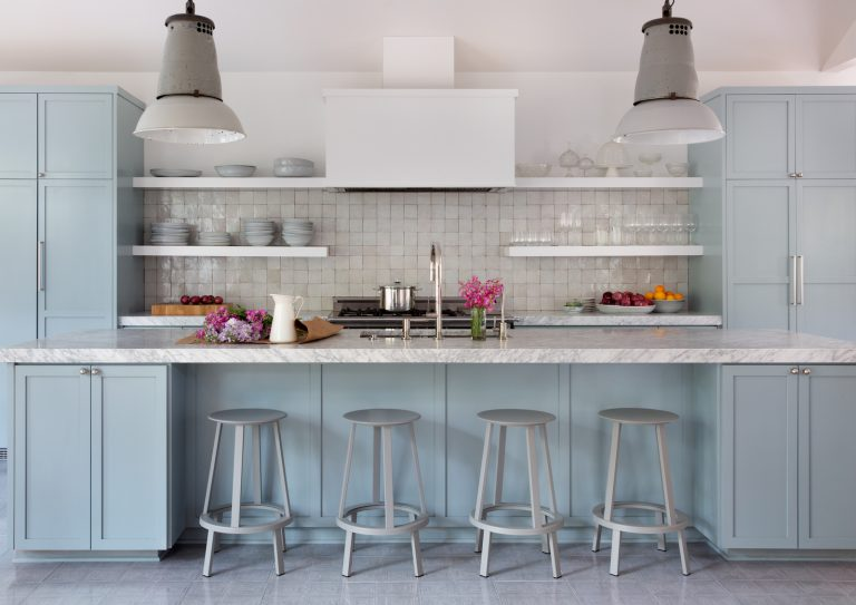 This Modern Bungalow Is Nailing All The 2019 Color Trends