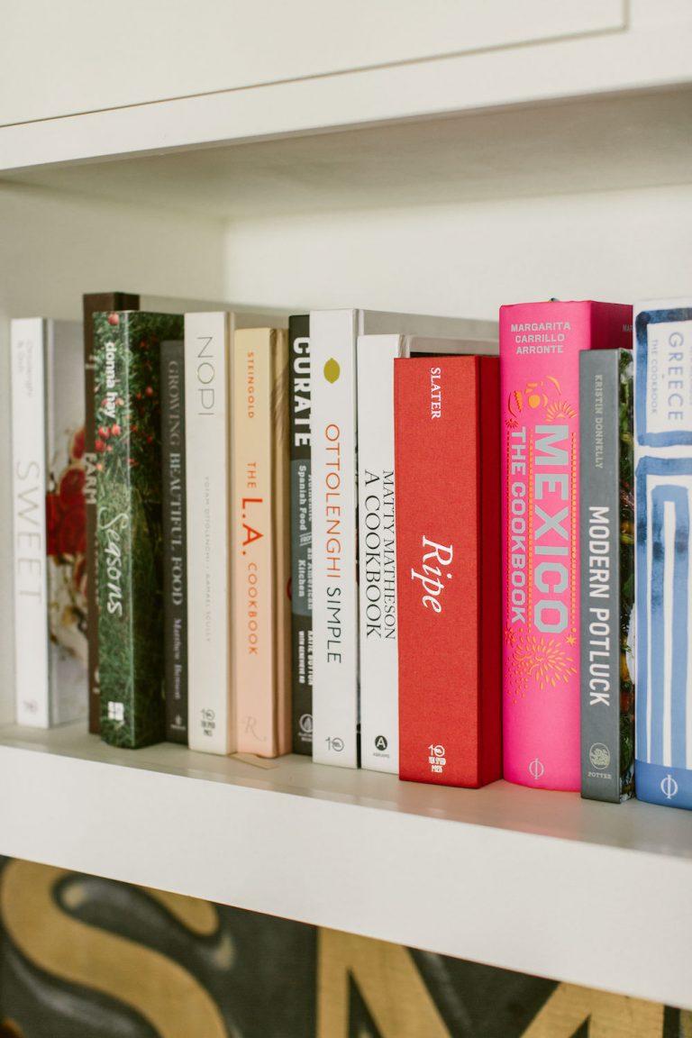 Tiffani Thiessen's cookbook collection