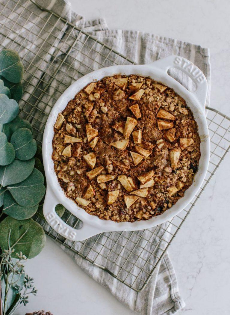 Apple pie baked oatmeal