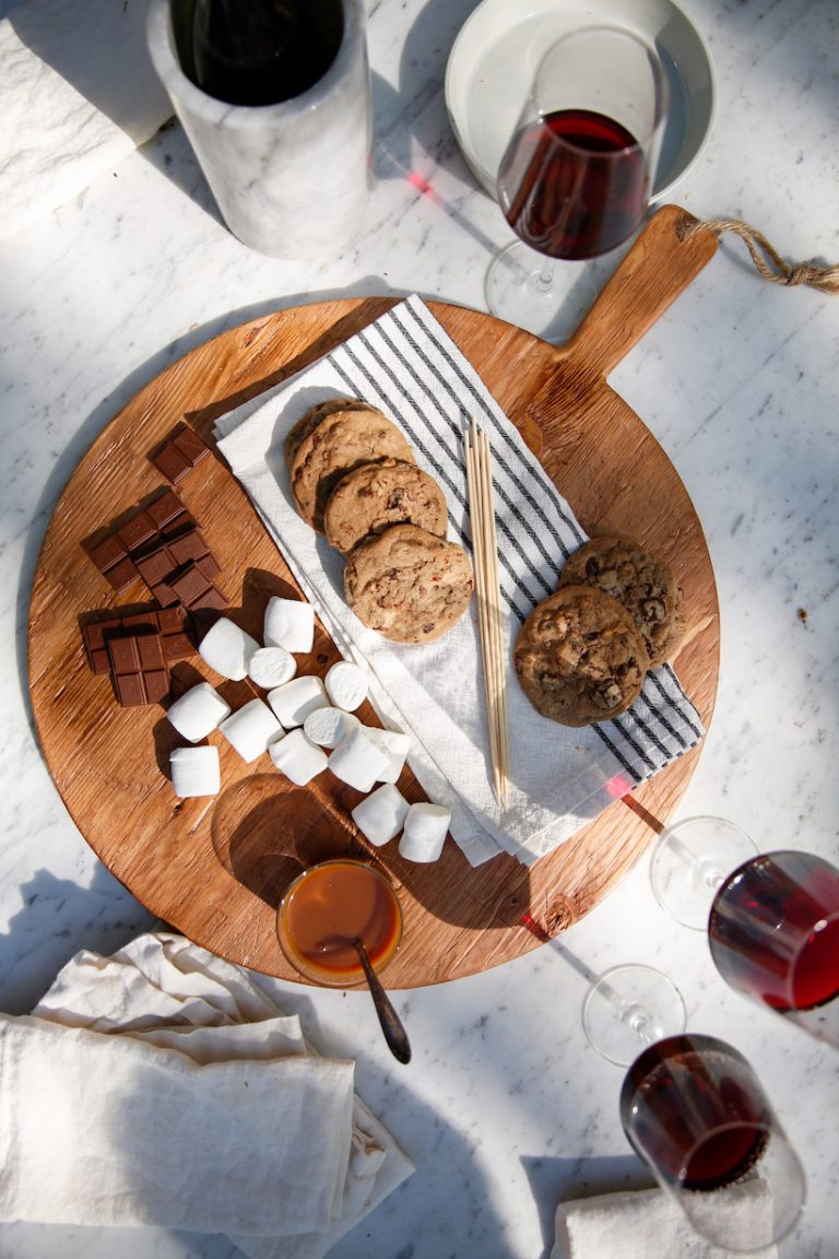the ultimate homemade s'mores recipe for a backyard summer party