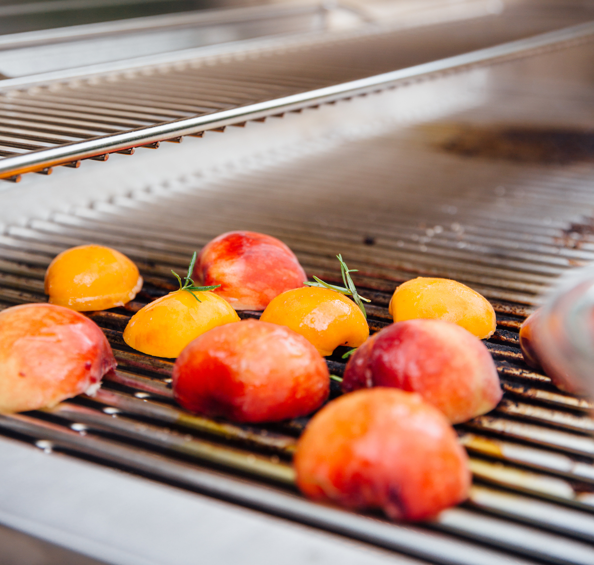 how to grill peaches for dessert