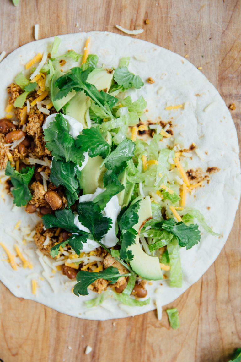 melhor receita vegetariana de burrito com uma mistura de feijão tofu