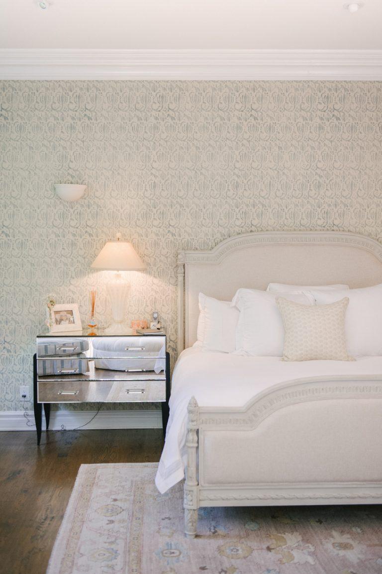 bedroom, neutral tones