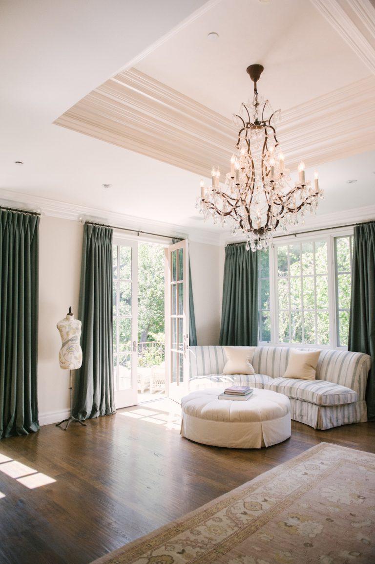 bedroom, amazing neutral decor