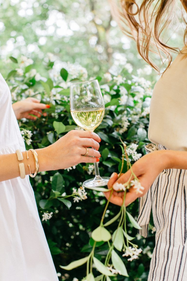 wine & jasmine, girls talking