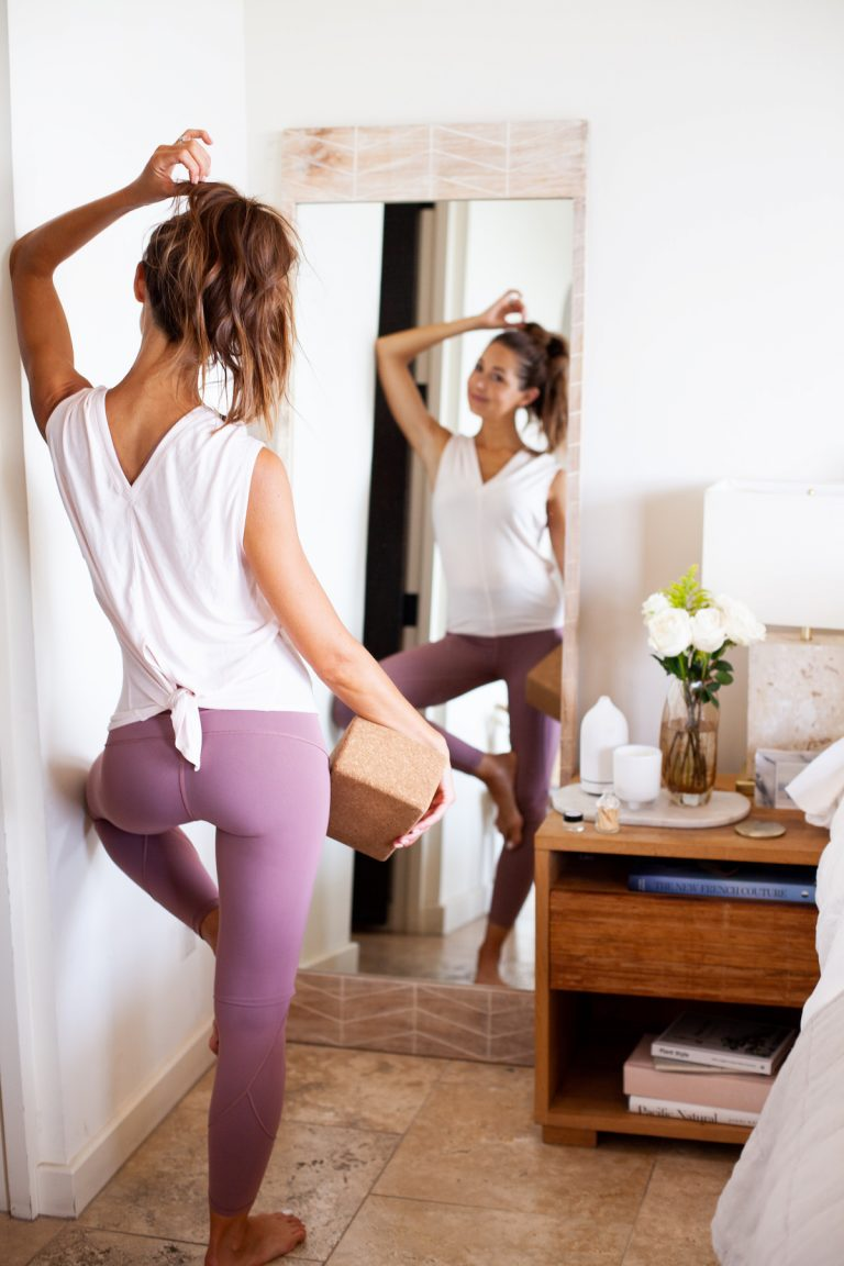 Camille, home, wardrobe, clothes, style, workout, fitness, stretch