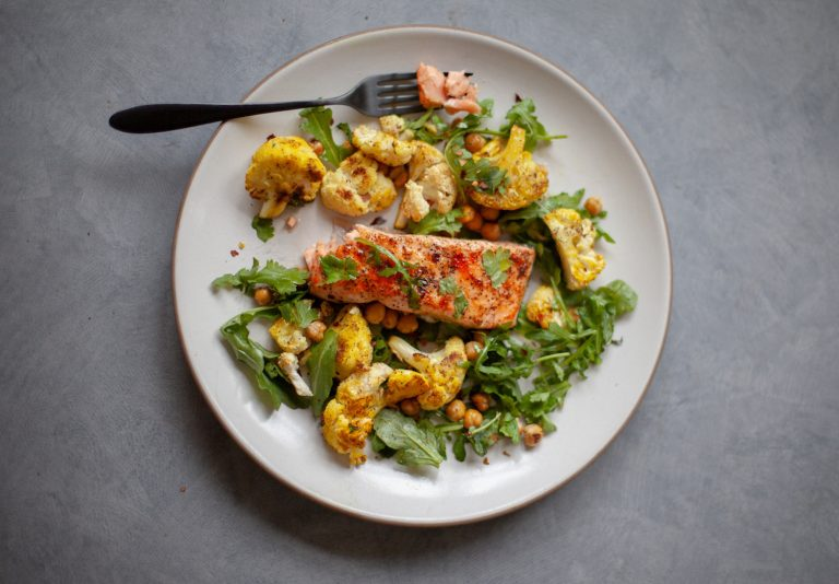 5-minute Broiled Salmon With Curried Cauliflower & Greens
