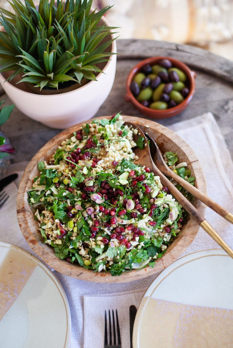 Cauliflower Tabbouleh with Pomegranates, Pistachios, and Fennel - A healthy and easy spin on the traditional mediterranean salad