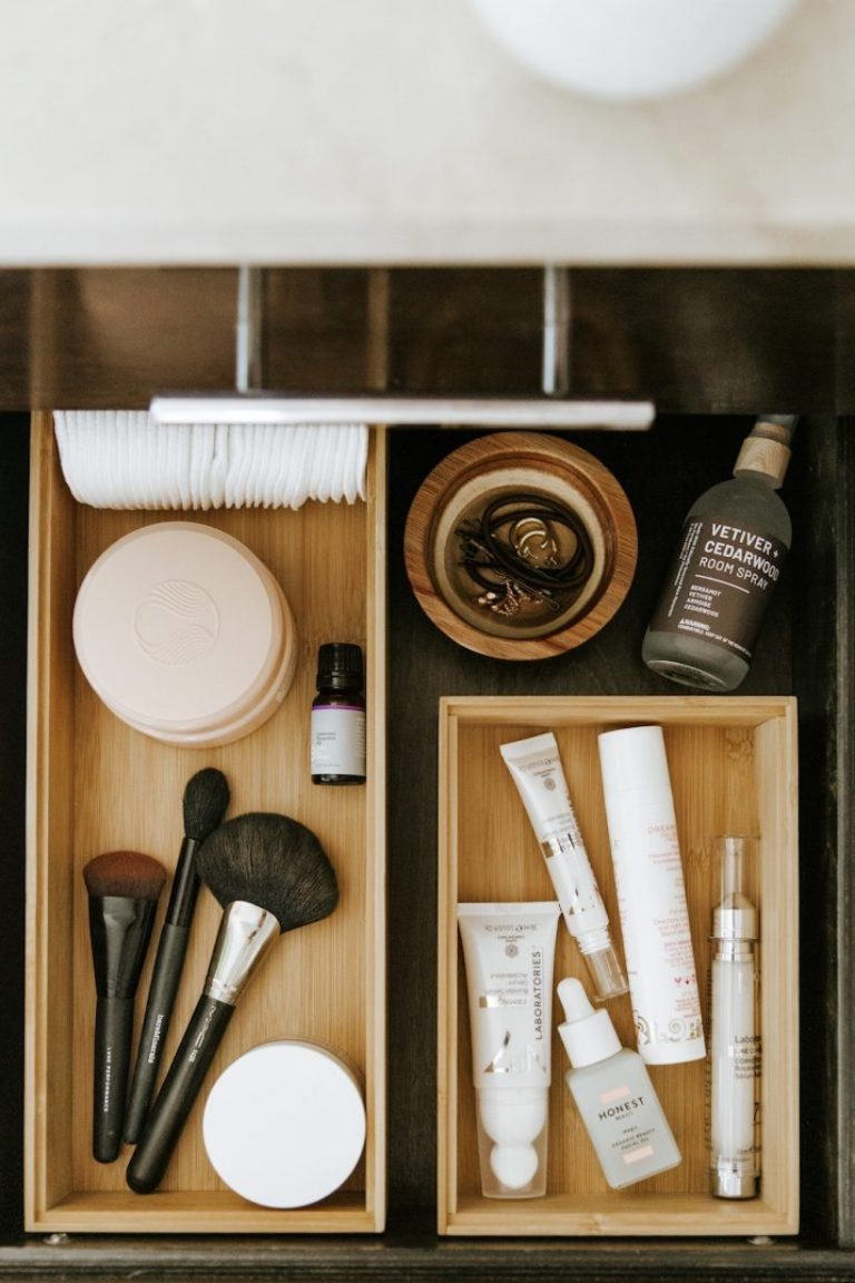 how to organize your bathroom drawers and cabinets