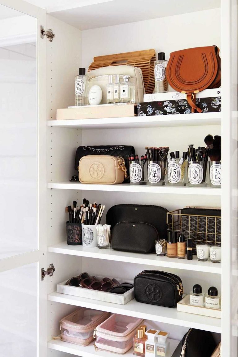 This Is How You Should Be Organizing Your Bathroom Drawers And Cabinets