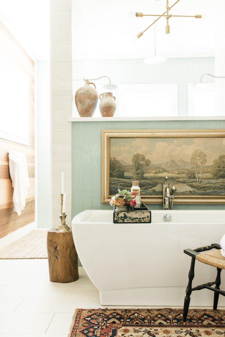 banheiro principal antigo moderno do vintage