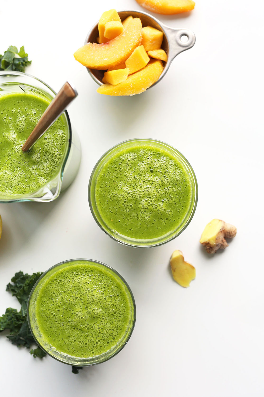 THE-BEST-Green-Smoothie-Ginger-lemon-peach-mango-and-kale-vegan-plantbased-smoothie-greensmoothie-recipe-easy