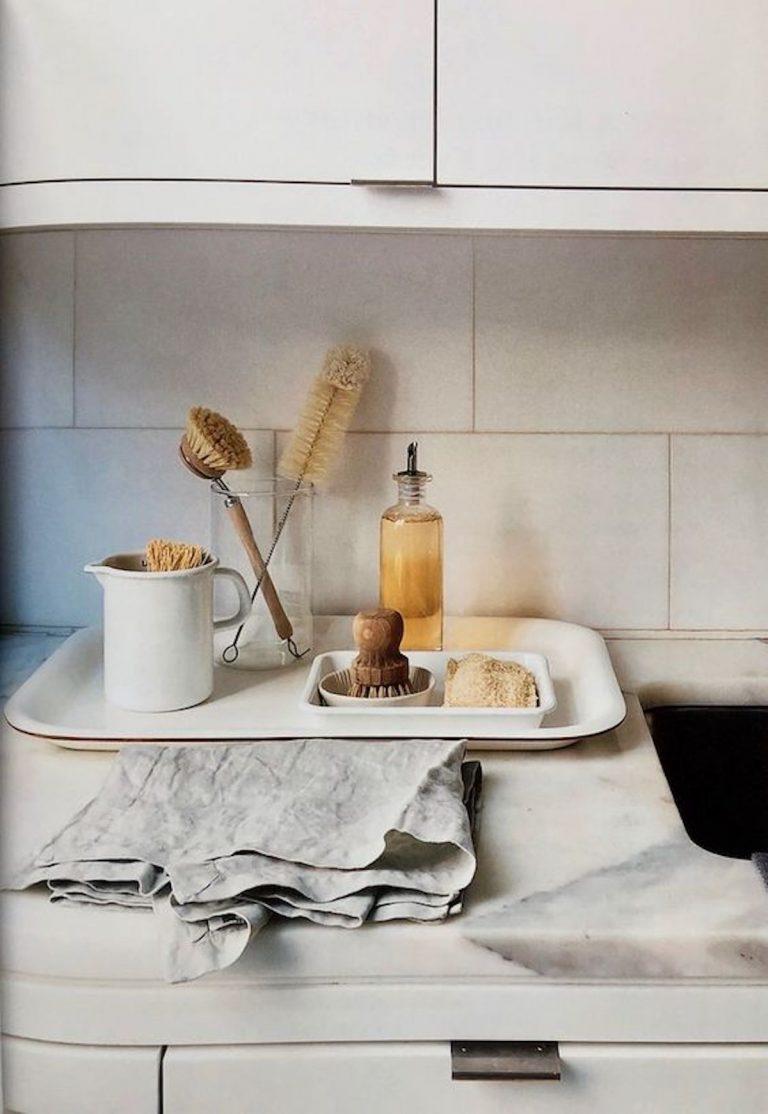 pia de cozinha, pratos