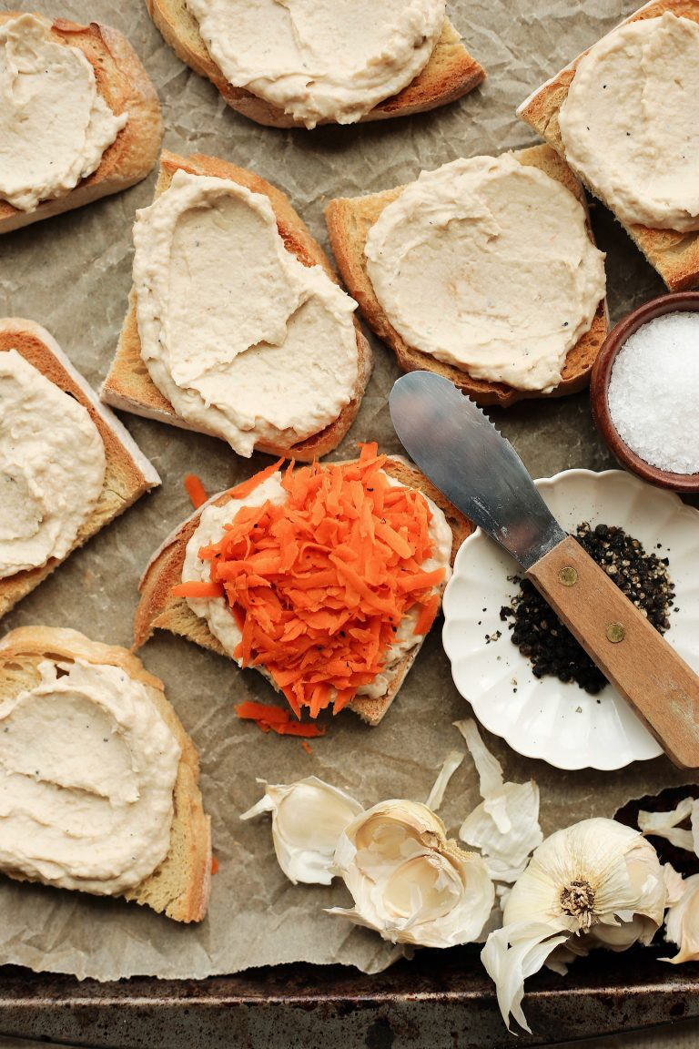 easy and delicious hummus and carrot toast