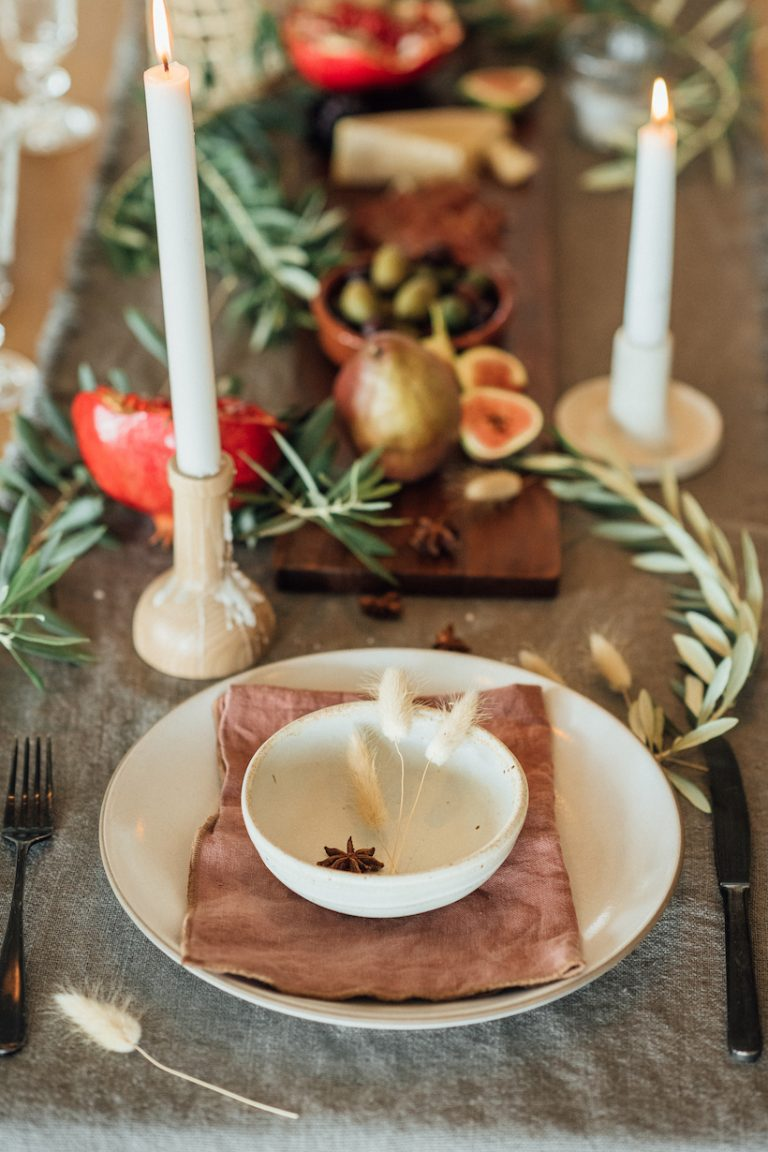 Camille Styles Thanksgiving table, earthy, natural, minimalist Thanksgiving table ideas