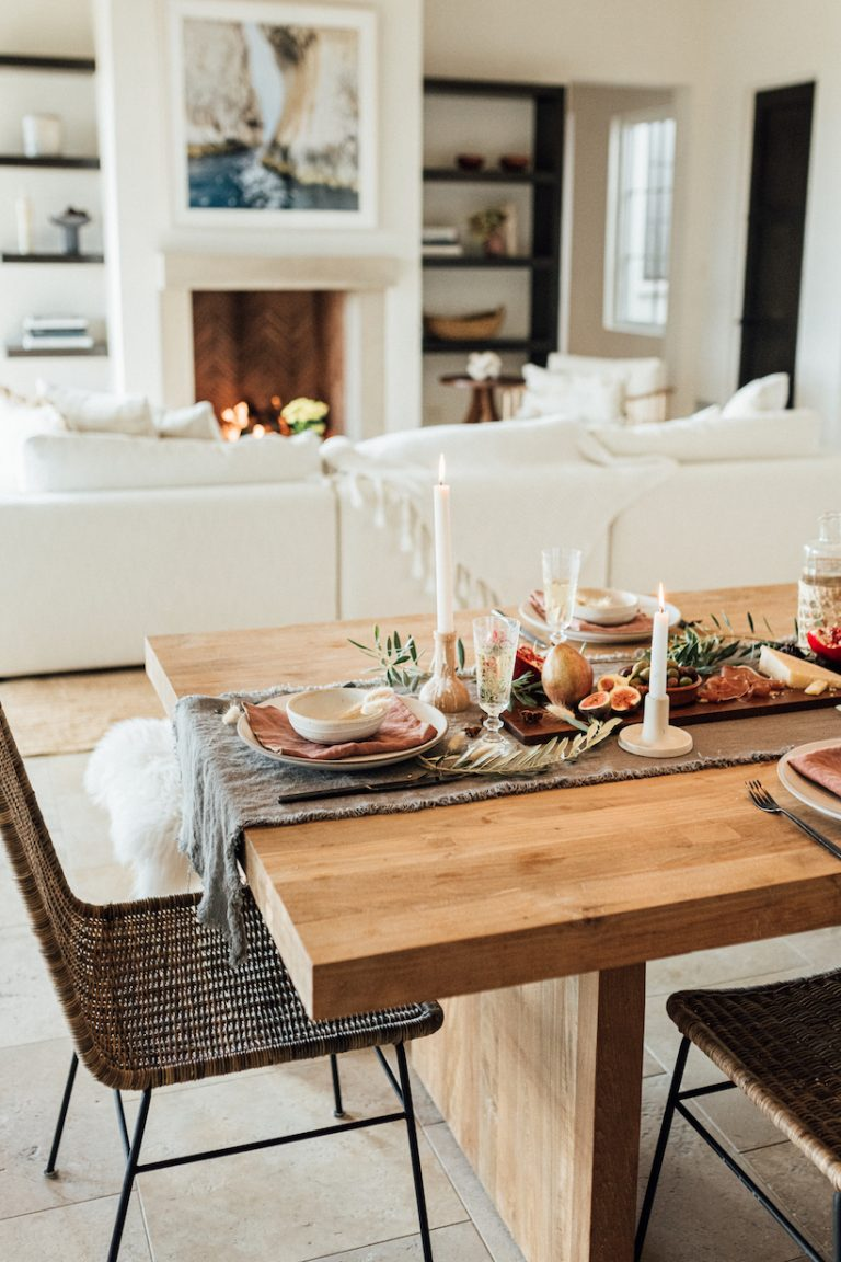 Camille Styles Thanksgiving Table, Earthy, Natural and Minimalist Thanksgiving Table Ideas