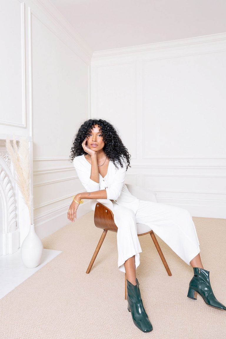 SIDIA, lounge, style, curly hair, boots