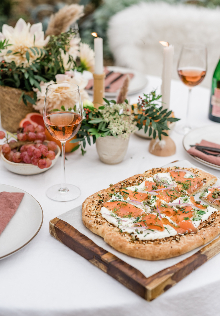 smoked salmon flatbread with everything bagel seasoning brunch recipe