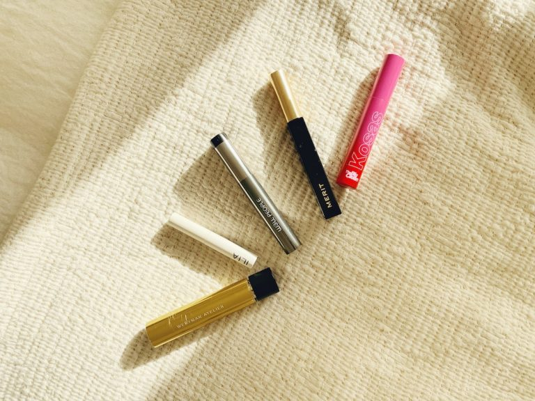 A line up of 5 clean mascaras