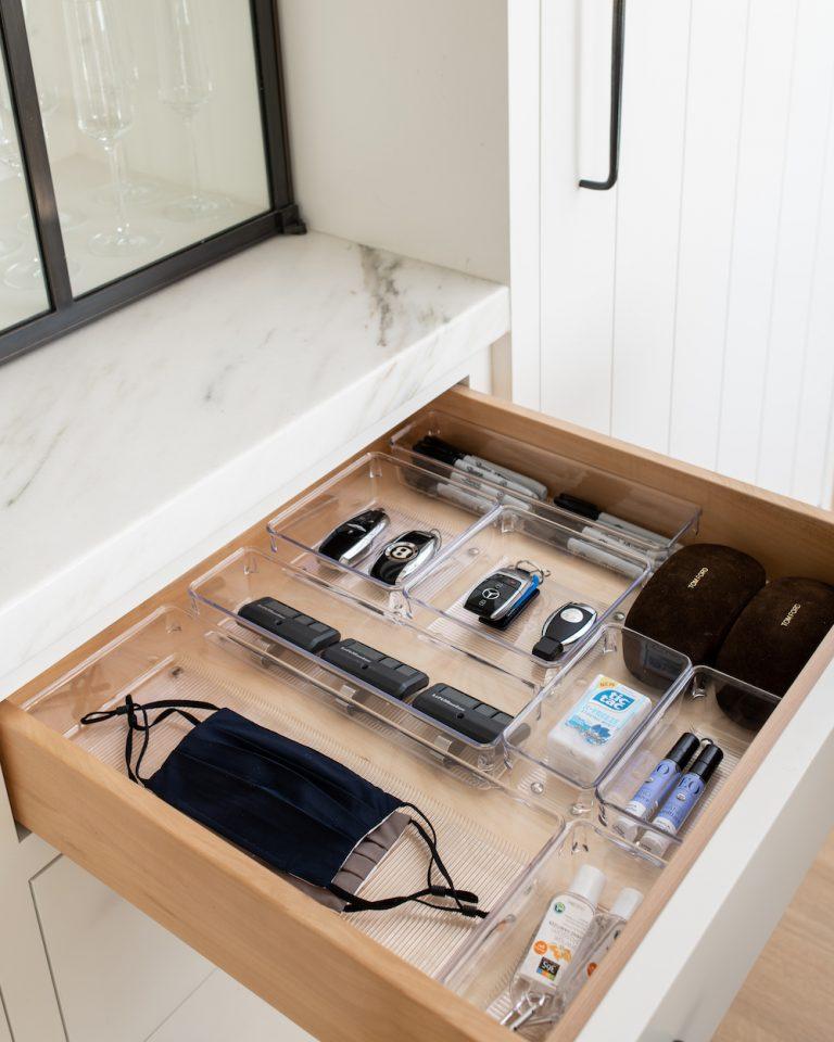 Arranging the garbage drawer 3