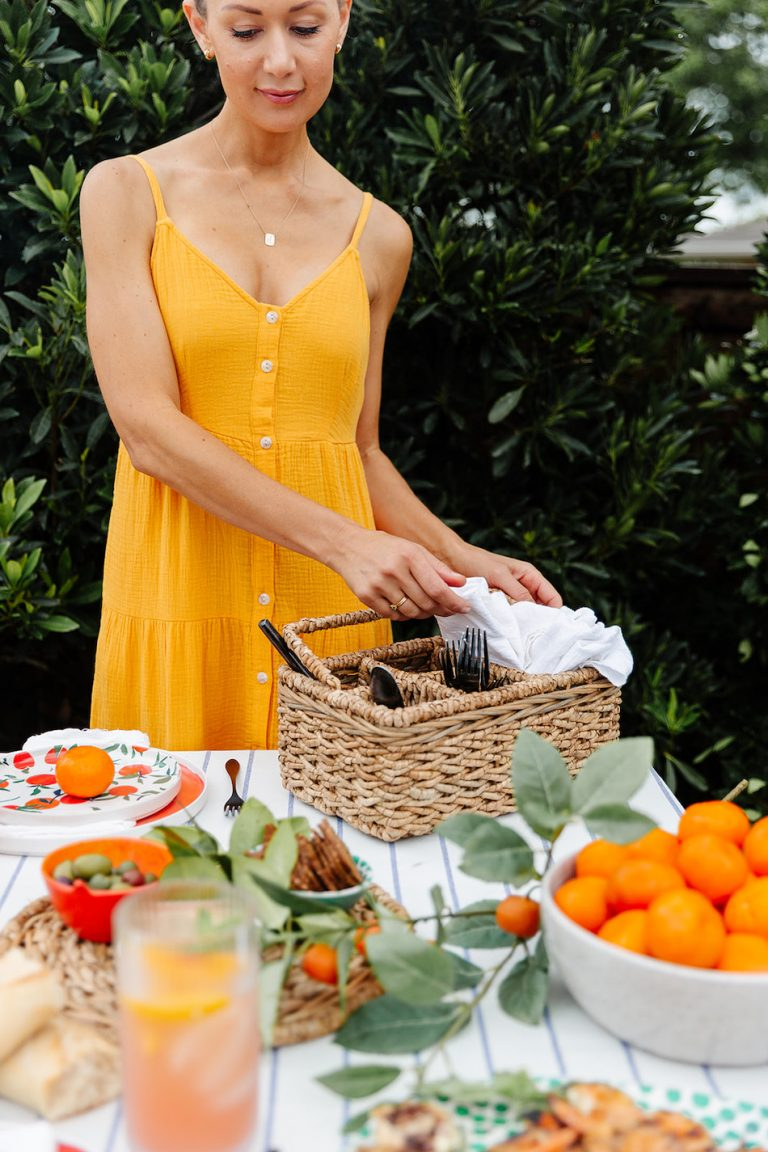 summer tablescape, backyard dinner party with Target, al freso entertaining, outdoor entertaining ideas, citrus, setting the table
