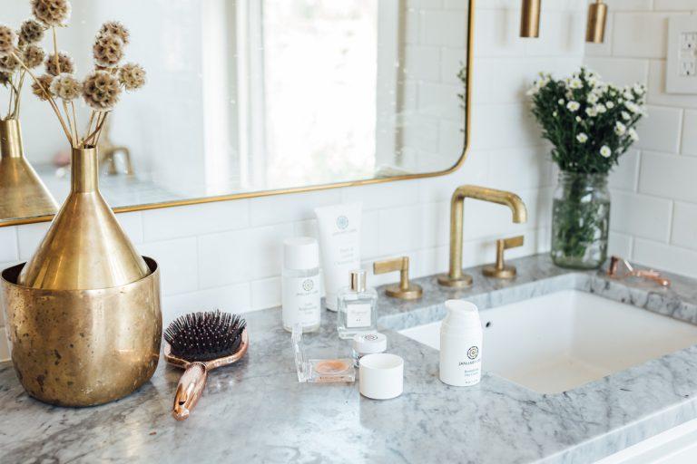 محصولات حمام با محصولات مراقبت از پوست ، ویراستاران این ماه دوست دارند