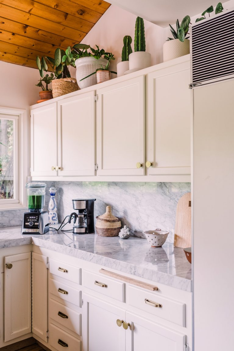 Kimberly Snyder's kitchen, crystals, cookbooks - Kimberly Snyder's morning routine