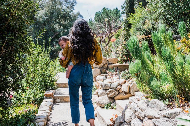 Kimberly Snyder's morning routine, walk, backyard, nature, hike