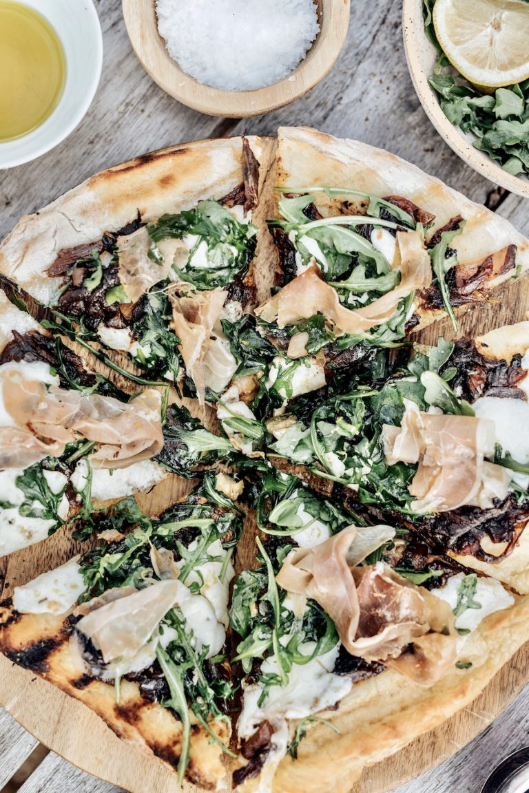 Caramelized Onion and Prosciutto Pizza - how to grill a pizza