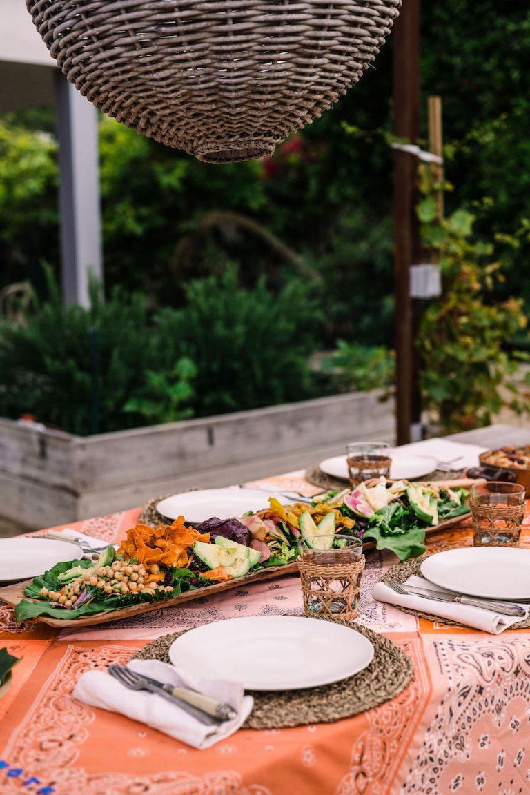 سالاد رنگین کمان ، مهمانی شام تابستانی ، سبزیجات تازه ، مزرعه هلن هندرسون -مالیبو