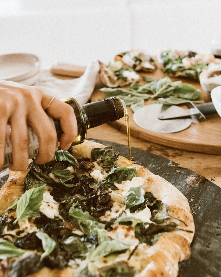Spinach ricotta pizza with garlic oil is the best easy homemade pizza