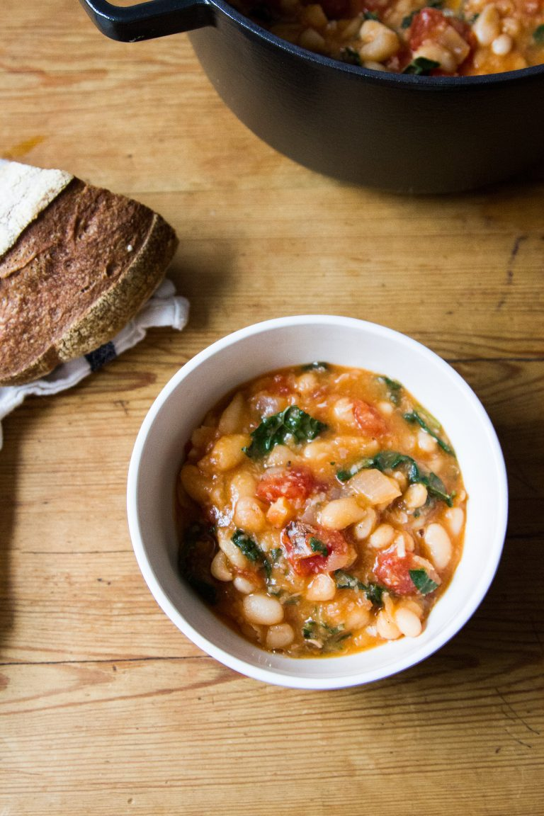white bean soup with tomatoes and kale