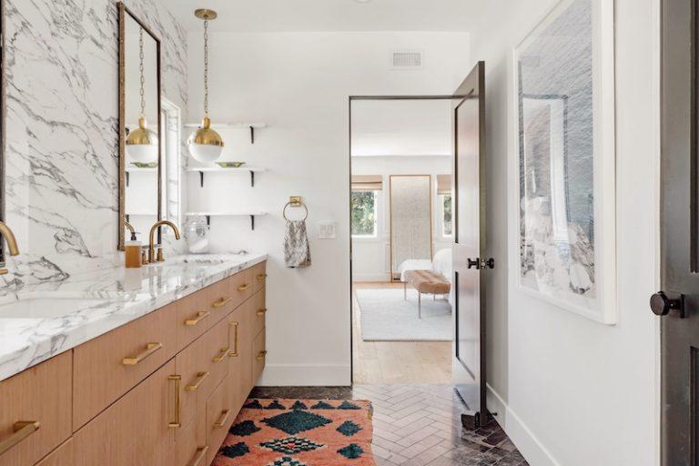 chantilly-lace-bathroom