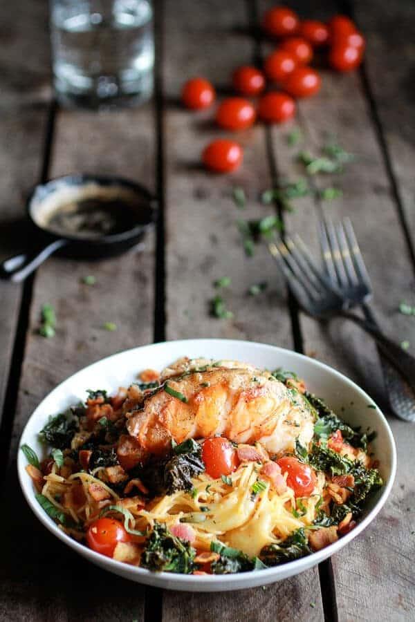 homard au beurre brun chou frisé croustillant et pâtes fontina de la récolte à moitié cuite