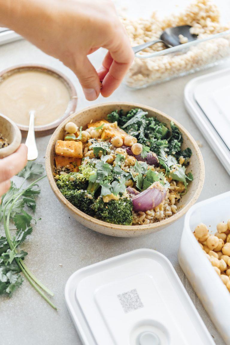 نحوه آماده سازی غذا برای یک هفته خوردن گیاهی ، ناهارهای سالم ، کاسه غلات