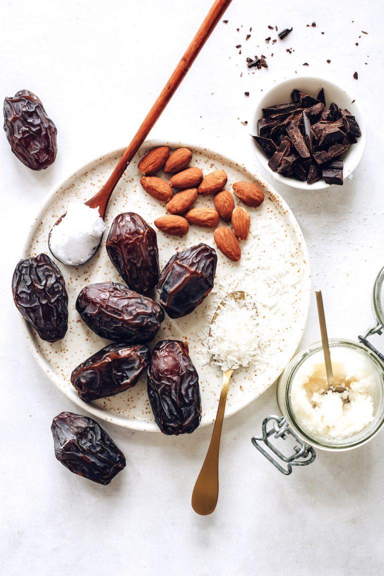 INCREDIBLE-Almond-Joy-Stuffed-Dates-Chocolatey-nutty-just-6-ingredients-required-minimalistbaker-recipe-plantbased-almondjoy-dates-0