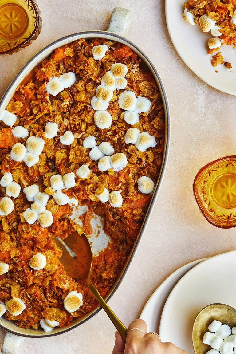 These Mashed Sweet Potatoes With Brown Sugar Cornflake Crunch Are Just as Delicious as They Look